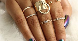 Gracie Chunky Statement Rings & Minimalist Stackable Simple Ring Set in Gold 6 Pieces