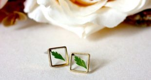 Resin / earring / green / Leaf, Fern, Square Stud, Real Flower Jewelry, Cool Jewelry, Pressed Flowers, Plant Earring, Gift for her, Bohemian