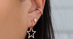 14kt gold and diamond star hoop earring