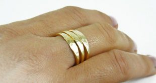 Hammered stacking gold rings Rustic ring Stackable band ring Hammered stack rings