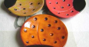 Ladybug Ceramic Dish, bowl, good luck, jewelry, ring, candy dish, home decor, soap dish, candle holder, teabag holder, spoon rest