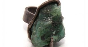 Rustic Sterling Silver Emerald Ring Unique Raw Emerald Ring Rough Gemstone Jewelry Uncut Emerald Stone Ring