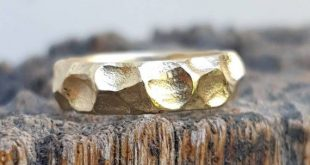 Solid gold ring. 14 karat yelow ring. Gold wedding band. stucking ring. stackable ring. Wide wedding band. Unisex Wedding ring. His and hers