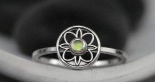 Sterling Silver Peridot Ring - Green Stone Ring - Peridot Birthstone Ring - August Birthstone Ring -