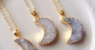 18 Karat vergoldete Moon Druzy Halskette, Boho, Bohemian, Aura, Naturstein, Kris...