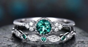 2Pcs/Set 2018 Luxury Green Blue Stone Crystal Rings For Women Sliver Color Weddi...