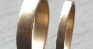 9 Karat Gelbgold Ehering Set Zwei Trauringe 2mm von OddPower, £ 300.00