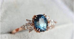 Blauer Saphir Verlobungsring #Hochzeit #Hochzeitsideen #Ringe #Engagemen ...