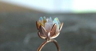 Einzigartiger Opal Ring, Custom ungeschnitten Opal Verlobungsring, Lotus Flower ...
