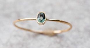 Kleine groene saffier Ring, gouden saffier Ring, ovale saffier Ring met hart, Valentijnsdag cadeau voor vriendin