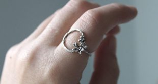 Twig Ring Sterling Silver, Open Circle Ring, Simple Flower Ring Sterling Silver, Unique Silver Ring, Nature Inspired Ring for Friend